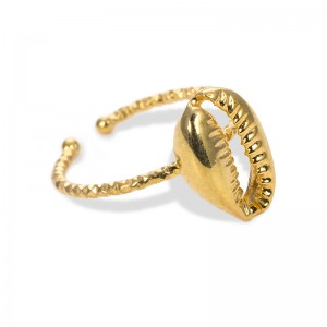 GOLDEN SHELL RING